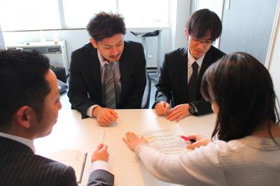社会保険労務士、行政書士との就業規則作成、届出の打合せ